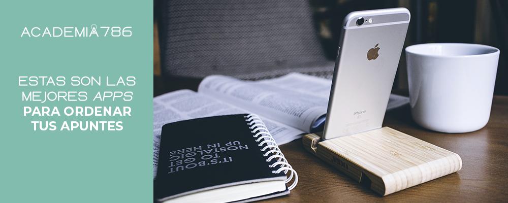 libro, smartphone y notas